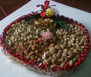 holiday-nut-trays-christmas